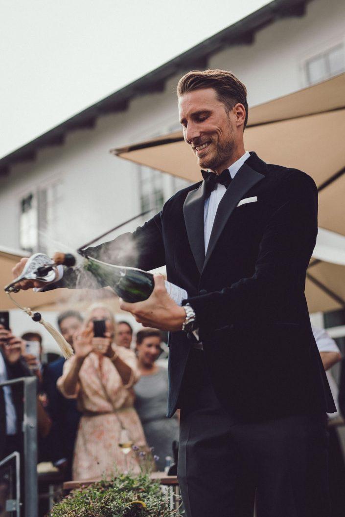 bryllupsfotograf_mads_eneqvist_IMG_1340-min-705x1058 Bryllupsbilleder