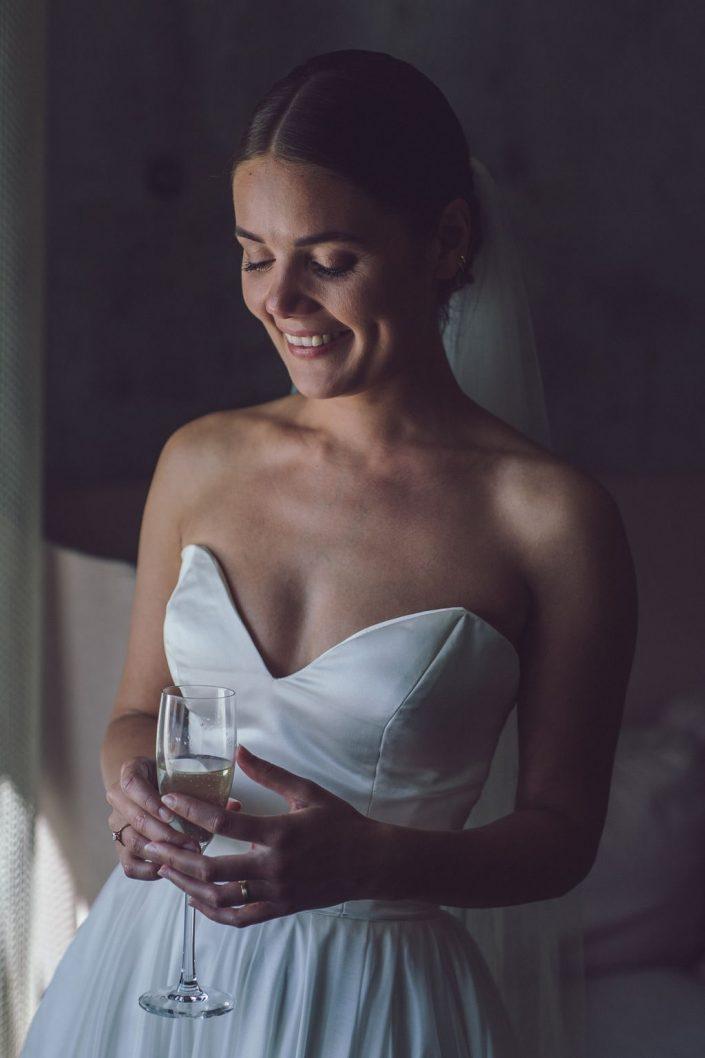 bryllupsfotograf_mads_eneqvist_IMG_2679-min-705x1058 Bryllupsbilleder